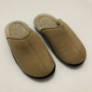 Tan Light Brown Isotoner Warm and Fuzzy Slippers